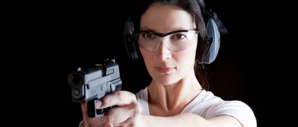 how to choose a handgun for a woman